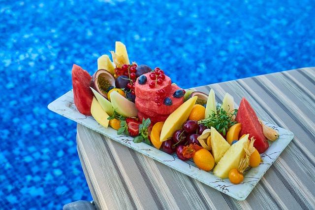 Vitamíny u bazénu.jpg