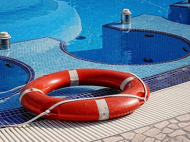 Kruh u bazénu.jpg