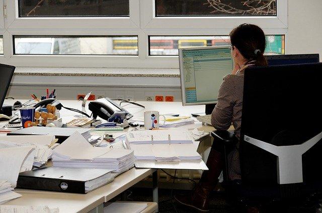sekretářka úřadu práce