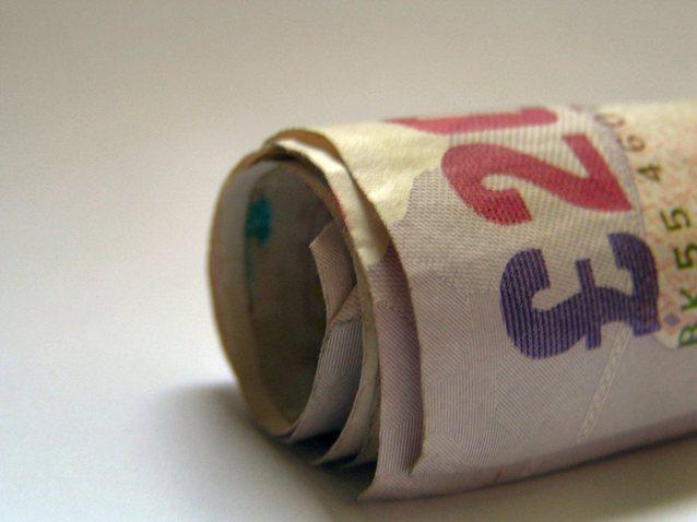 srolované bankovky peněz